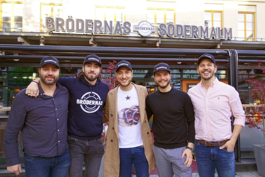 glada män utanför Brödernas Södermalm
